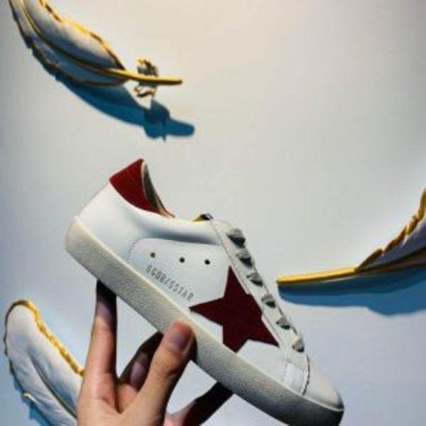 נעלי גולדן גוס