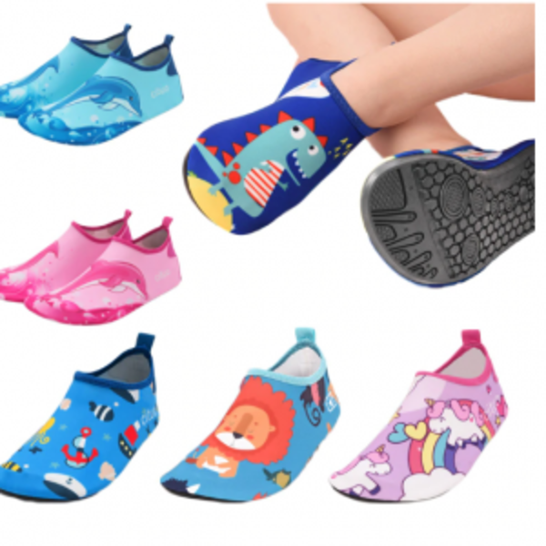 נעלי חוף ושחיה לילדים