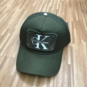 כובעי קלווין קליין