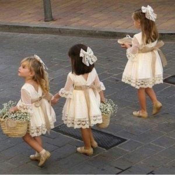 שמלות תחרה חגיגיות לילדות