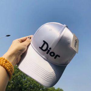 כובעי דיור