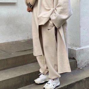 חליפת פנאי נייק נשים