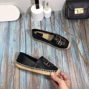 נעלי בובה טורי