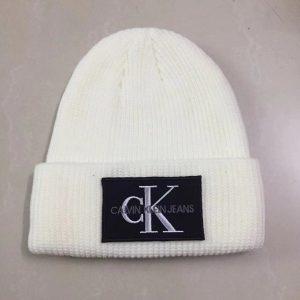 כובעי חורף קלווין קליין