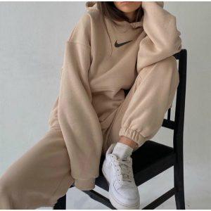 חליפות פנאי ארוכות נייק